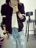 เสื้อคลุมเบสบอล ทรงสวยสีดำ แต่ขลิบสีขาว เก๋ๆ ใส่คลุมชิลๆ สบายๆ