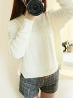 Sweater เสื้อไหมพรมถัก ลายตาราง สีขาวครีม พร้อมส่งจ้า