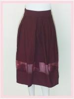 skirt281 กระโปรงผ้าสกินนี่ เอวจับจีบซิปข้าง ชายแต่งผ้าใยแก้ว(ผ้าโปร่ง) สีเลือดหมู Size M เอว 28-32 นิ้ว