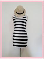 dress2095 เดรสแฟชั่นงานแพลตตินั่มผ้ายืดเนื้อดี แขนกุด ลายขวางโทนสีขาวดำ รอบอก 36 นิ้ว