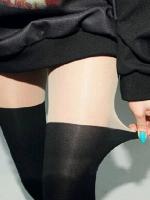 ถุงน่อง สีดำตัดสีเนื้อ สำหรับสาว ที่ชอบนุ่งสั้น เนื้อยืดได้เยอะค่ะ พร้อมส่งจ้า