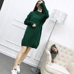 Sweater สีเขียว เสื้อไหมพรมถักยาว 27.5 นิ้ว ใส่ตัวเดียวเป็นมินิเดรสได้เลย เก๋ๆ ไหมพรมนุ่มยืดได้เยอะ