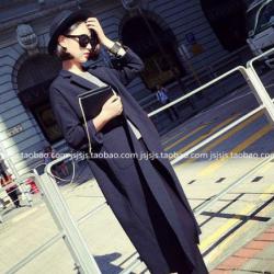 สูทคลุมตัวยาว สีดำ ทรงแบบเกาหลีมากๆ ผ้าเนื้อดีไม่หนา แต่มีน้ำหนัก ใส่คลุมได้ลุคเก๋ๆ (ผ้าแบบสูท)