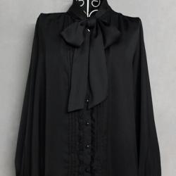 เสื้อแขนยาวสีดำผูกโบว์