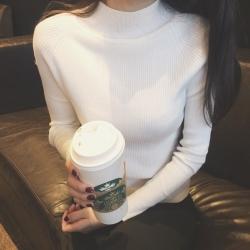 สีขาว: เสื้อสเวตเตอร์ ไหมพรมคอตั้ง ลายทางในตัว ผ้ายืดได้เยอะ