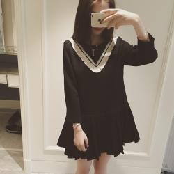 Dress4170 ชุดเดรสแขนยาวชายระบายอัดพลีททรงปล่อยสีดำ แต่งระบายเล็กๆ สีขาวช่วงอกเพิ่มความน่ารัก งานเป็นทรงฟรีไซส์ ผ้าเนื้อดีนุ่มใส่สบาย งานสวยใส่งายน่ารักมาก