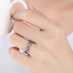 แหวนแฟชั่นสีเงินรมดำลายดาว
