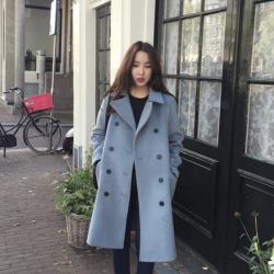 OverCoat เสื้อโค้ทกันหนาว สไตล์เกาหลี สีฟ้าอ่อน ตัวยาวแต่งกระดุมสองแถว บุซับในฟกันลม พร้อมส่ง