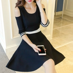Dress4163 เดรสทรงสวยสีพื้นดำตัดต่อช่วงเอวสีขาวตัดกับสีชุด แขนสามส่วนเว้าไหล่ ผ้าคอตตอนเนื้อดีนุ่มใส่สบายยืดขยายได้เยอะ งานสวยใส่ง่ายน่ารักมาก