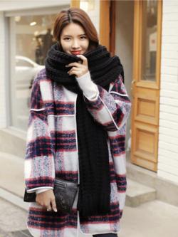 ผ้าพันคอ ไหมพรม เกาหลี สีดำ ลายถักใหญ่ มิกกับชุดไหนก็สวย พร้อมส่ง