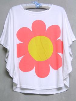 เสื้อยืดทรงโอเวอร์ไซส์ลายดอกไม้