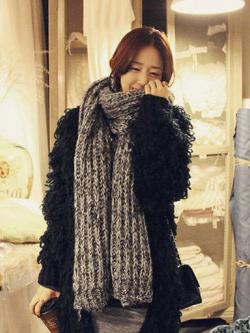ผ้าพันคอกันหนาว ไหมพรม เกาหลี สีเทาลาย ดูดีไฮโซ พร้อมส่ง