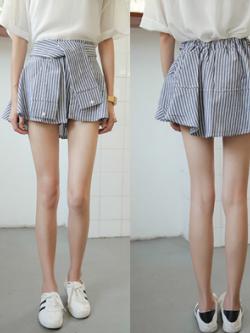 กางเกงกระโปรงลายทาง แต่งช่วงเอวเป็นแขนเสื้อผูก เก๋ๆ พร้อมส่งจ้า
