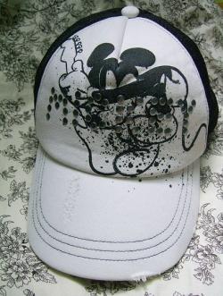 หมวก Uniqlo ลาย Mickey Rock
