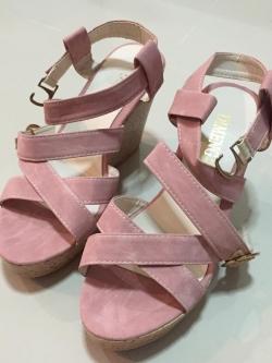 รองเท้าส้นสูง รัดส้น สีชมพู ไซส์ 37