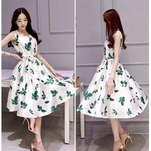 Dress3792 งานนำเข้าสไตล์เกาหลี ชุดเดรสยาวทรงสวย ผ้าซาตินซิลค์เนื้อหนามีน้ำหนักทิ้งตัวสวยลายดอกไม้พื้นสีขาว มีซับในทั้งชุด มีผ้าผูกเอว งานสวยหรูตัดเย็บอย่างดี ใส่ออกงานได้เลย