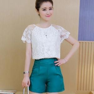 Set_bp1346 งานนำเข้าสไตล์เกาหลี ชุด 2 ชิ้น(เสื้อ+กางเกง)แยกชิ้น เสื้อลูกไม้สีขาว+กางเกงขาสั้นซิปข้างสีเขียว แบบสวยใส่ง่ายน่ารักมาก