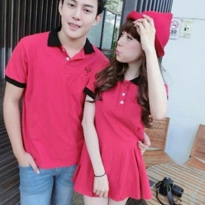 ชุดคู่รัก สีแดงปกดำ พร้อมส่ง เดรส+เสื้อ น่ารักมากๆ ราคาเป็นคู่แล้วค่ะ ไม่มีปักตรงอก
