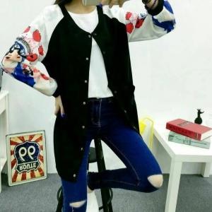 Blouse3465 งานนำเข้าสไตล์เกาหลี เสื้อแจ็กเก็ตตัวยาวสีดำตัดต่อแขนสีขาว กระดุมหน้า ผ้าเนื้อโฟมหนาสวยมีน้ำหนักนิ่มลื่นไม่ต้องรีดหลังซัก งานดีแบบไม่โหล ใส่ได้เรื่อยๆ เลยจ้า