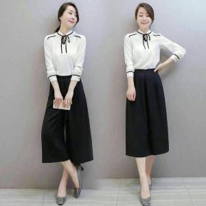 Set_bt1329 งานนำเข้าแบรนด์เกาหลี ชุด 2 ชิ้น(เสื้อ+กางเกง)แยกชิ้น เสื้อแขนยาวคอระบายผูกโบว์ผ้าเนื้อดีสีขาว+กางเกงขายาวห้าส่วนสีดำ
