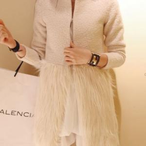 โค้ทกันหนาว แฟชั่น ขนๆสีขาว น่ารัก ผู้ดีมากๆ สาวหวานห้ามพลาด พร้อมส่งเลยจ้า