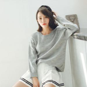 Sweater เสื้อสเวทเตอร์แขนยาว สีเทา ทรงสวย จะใส่เดี่ยวไหรือใส่โค้ทคลุมก็เริ่ด