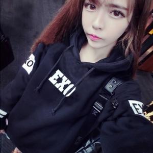 เสื้อยืดแขนยาว EXO แบบสวม แต่สกรีน เก๋ๆ มีฮูด ผ้าไม่หนา ใส่คลุมกันแดดกันลมกำลังดีจ้า