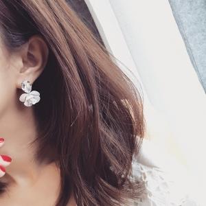 ต่างหู,ตุ้มหูแฟชั่นสไตล์เกาหลีรูปดอกไม้สีขาวแต่งคริสตัล