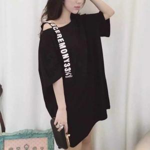 สีดำ : เสื้อแฟชั่นตัวยาว สุดแนว สาวไซส์เล็กใส่เป็นเดรสได้เลยค่า แต่งสายพาดโชว์ไหล่ พร้อมส่ง