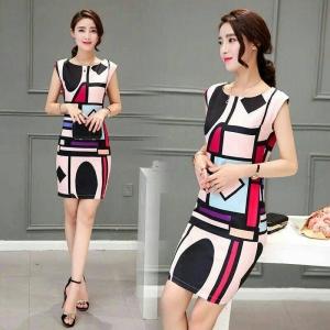 Dress3782 งานนำเข้าแบรนด์เกาหลี ชุดเดรสทรงเข้ารูปสวย ซิปหลังใส่ง่าย มีซับในทั้งชุด ผ้าซาตินซิลค์เนื้อดีเรียบลื่นลายกราฟฟิค