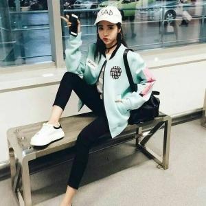Blouse3471 งานนำเข้าแบรนด์เกาหลี เสื้อแจ็กเก็ตแขนยาวซิปหน้ากระเป๋าข้าง ผ้าเนื้อโฟมเนื้อหนานิ่มลื่นสีฟ้าพาสเทล