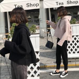 เสื้อกันหนาวฮู้ดดี้ แฟชั่นเกาหลี ตัวสั้นทรงแข็ง น่ารักมากจ้า ผ้าสักกะหลาดเนื้อนุ่มแต่เป็นทรง พร้อมส่ง งานจริงในภาพสุดท้ายน้า