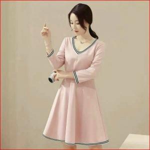Dress3808 งานนำเข้าสไตล์เกาหลี ชุดเดรสคอวีกระโปรงบานทรงสวยสีพื้นชมพูแต่งแถบ แขนยาว ผ้าหนาเนื้อดีมีน้ำหนัก เนื้อผ้ายืดขยายได้เยอะ งานน่ารักใส่ได้บ่อยหลายโอกาส