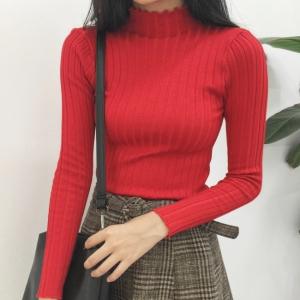 สีแดงสด : เสื้อสเวตเตอร์ ไหมพรมคอเต่า ลายทางในตัว ยืดได้เยอะ ผ้านุ่ม