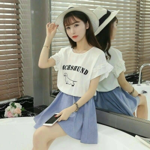 Dress3719 งานนำเข้าแบรนด์เกาหลี ชุดเดรสทรงฟรีไซส์แขนระบายสีขาวสกรีนลายตัดต่อกระโปรงผ้ายีนส์นิ่มสีฟ้าเอวสม็อคยืดได้เยอะ งานดีน่ารักมาก