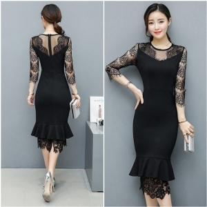 Dress4002 ชุดเดรสยาวทรงเข้ารูปสวยสีพื้นดำ แต่งลูกไม้ช่วงอก, แขน และชายกระโปรง ผ้าเนื้อดีมีน้ำหนักทิ้งตัวยืดขยายได้ งานสวยดูหรูดูแพง แบบสวยไม่ซ้ำใคร ผ้าสวยเกินราคา ใส่ออกงานได้เลยจ้า