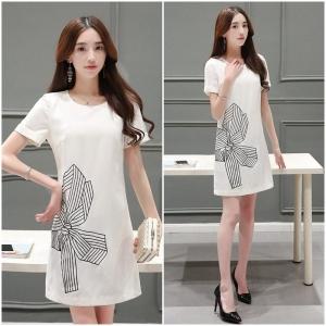 Dress3781 งานนำเข้าแบรนด์เกาหลี ชุดเดรสงานปักรูปโบว์ ซิปหลัง มีซับในอย่างดี ผ้าเนื้อดีมีน้ำหนักทิ้งตัว สีขาวครีม