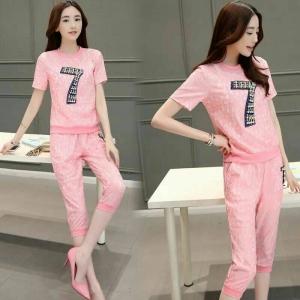 Set_bt1357 งานนำเข้าแบรนด์เกาหลีแนวสปอร์ต ชุด 2 ชิ้น(เสื้อ+กางเกง)แยกชิ้น เสื้อเอวจัมพ์ประดับมุกและเพชรงานดี+กางเกงขายาวสี่ส่วนเอวยืด ผ้าลูกไม้เนื้อดีหนานุ่มยืดได้เยอะ สีชมพู ผ้าสวยแบบน่ารักมาก