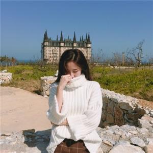 เสื้อไหมพรมตัวโคล่ง Sweater สีขาว คอเต่า ผ้าเนื้อนุ่มอุ่น น่ารักมากจ้า