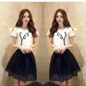 Set_bs1290 งานนำเข้าแบรนด์เกาหลี ชุด 2 ชิ้น(เสื้อ+กระโปรง)แยกชิ้น เสื้อแขนสั้นสีขาวสกรีนลาย Love+กระโปรงผ้าฉลุเนื้อหนาสีดำซิปหลังมีซับใน