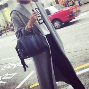เสื้อคลุมแขนยาว แฟชั่นเกาหลี มีฮู้ด ผ้า cotton สีเทา ผ้าไม่หนามาก ใส่คลุมเก๋ๆ กำลังดีค่า ใครชอบแนวเกาหลี จัดเลยนะคะ
