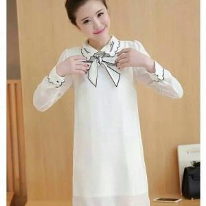 Dress3789 งานนำเข้าสไตล์เกาหลี ชุดเดรสแขนยาวคอปกผูกโบว์ชายหยักผ้าชีฟองเนื้อหนาสีขาว ซิปหลังใส่ง่าย มีซับในทั้งชุด งานน่ารักทรงเรียบๆ ใส่ทำงานได้