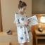 Dress3945 ชุดเดรสทรงปล่อยแขนระบายลายดอกไม้ฟ้าเทาพื้นสีขาว ผ้าคอตตอนลินินเนื้อดีมีน้ำหนักทิ้งตัวสวย งานเกรดพรีเมียมผ้าเนื้อดีไม่ยับง่าย งานสวยดูหรูดูแพง แนะนำเลยจ้า thumbnail 4
