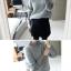 Sweater เสื้อไหมพรมถักขนๆ สีเทา แต่งดีเทลช่วงแข ใส่ตัวเดี๋ยวได้เลยเก๋ๆ ยืดได้เยอะ thumbnail 2