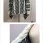 เสื้อกันหนาวไหมพรมถัก ทรงสวย ดูดีมากค่ะ สีครีมดำ ผู้ดีมากๆ thumbnail 3