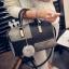 (new)สินค้าขายดี⭐⭐⭐ พร้อมส่ง แฟชั่นกระเป๋าถือ +สพายข้าง(แถมลูกฟูกขนนุ่ม) งานนำเข้าพรีเมี่ยม ขนาดกำลังดี งานน่ารักมากจ้า ข้างในมีช่องเล็กใส่ของจุกจิก สายสะพายยาว thumbnail 2