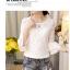 Blouse3515 เสื้อแฟชั่นเกาหลีผ้าลูกไม้คอตตอนเนื้อนิ่มสีพื้นขาว แขนยาวสี่ส่วนแต่งระบาย ผ้าลูกไม้ลายสวย งานเกรดพรีเมียมดูหรูดูแพง ใส่เก๋ๆ ได้บ่อย thumbnail 19