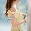 พร้อมส่ง - Size M Lady Daisy Ribbon Off-shoulder Mini dress : มินิเดรสเปิดไหล่โบว์ลายดอกเดซี่โทนสีเหลือง thumbnail 8