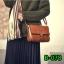 (new)สินค้าขายดี⭐⭐⭐ พร้อมส่ง แฟชั่นกระเป๋าถือ +สพายข้าง สวยพรีเมี่ยม งานนำเข้าพรีเมี่ยม ขนาดกำลังดี งานน่ารักมากจ้า ข้างในมีช่องเล็กใส่ของจุกจิก สายสะพายยาว thumbnail 4