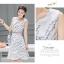 **สินค้าหมด Dress3802 เดรสยาวคลุมเข่า ผ้าซาตินซิลค์เนื้อหนาสวยลายดอกไม้พื้นสีขาว งานตัดเย็บอย่างดี มีซับในทั้งชุด แบบสวยหวานน่ารักมาก thumbnail 5